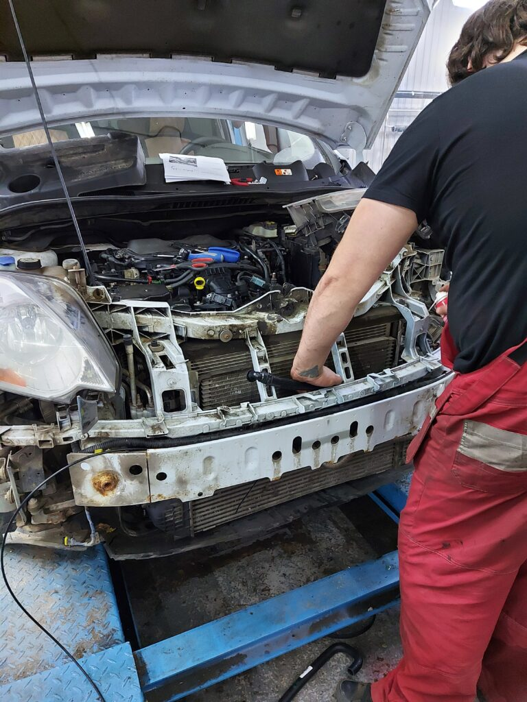 Установка Webasto на Ford Kuga